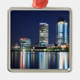 Ornamento De Metal Skyline de Milwaukee na noite