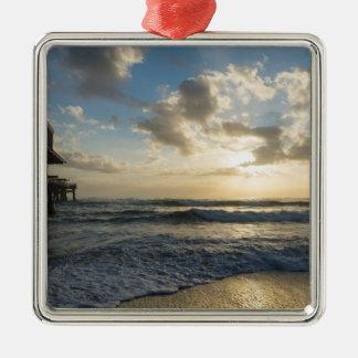 Ornamento De Metal Uma manhã gloriosa da praia