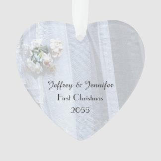 Ornamento do coração do casamento do laço do