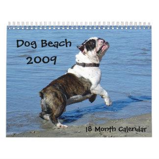 Os cães apenas querem ter o divertimento… calendário