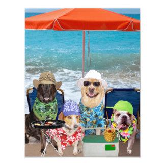 Os cães engraçados customizáveis convidam o dia na convite 10.79 x 13.97cm