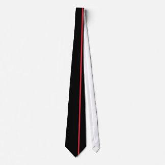 Os carmesins de alizarina diluem a linha vertical gravata