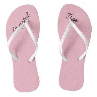Os chinelos das mulheres de cristal do rosa da
