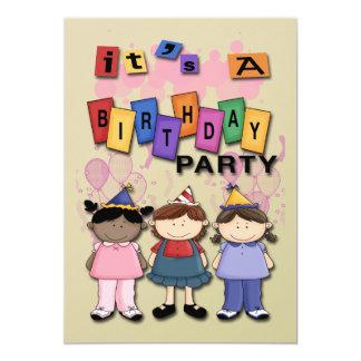 Os convites de festas de aniversários da menina