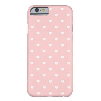 Os corações cor-de-rosa & brancos bonitos capa barely there para iPhone 6