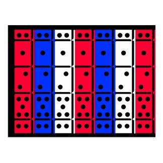 Os dominós brancos e azuis vermelhos projetaram o cartão postal