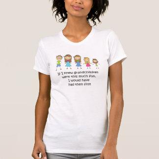 Os netos tê-los-iam primeiro t-shirt