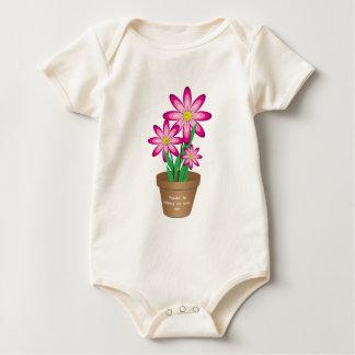 Os obrigados para ajudar-me crescem - a flor feliz macacãozinho para bebê