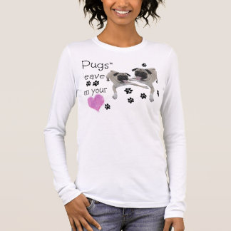 """Os """"Pugs""""   deixam pawprints em seu coração T-shirt"""