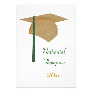 Ouro convites verdes do boné de formatura e da b