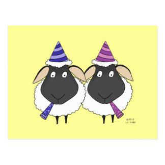 Ovelha do feliz aniversario dois cartoes postais
