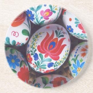 Ovos do kalocsai dos cumprimentos da páscoa porta copos de arenito