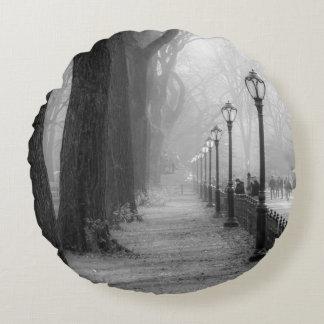 Paisagem preta & branca no Central Park Almofada Redonda