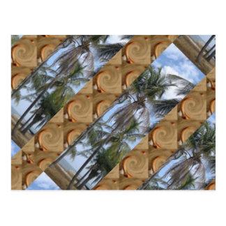Palmas e areia cartão postal
