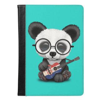 Panda do bebê que joga a guitarra croata da
