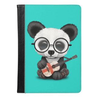 Panda do bebê que joga a guitarra inglesa da