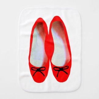 Paninho De Boca Calçados vermelhos