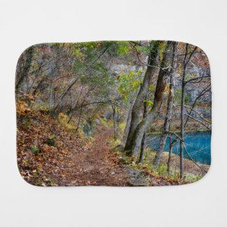 Paninho De Boca Caminhada do outono do moinho do beco