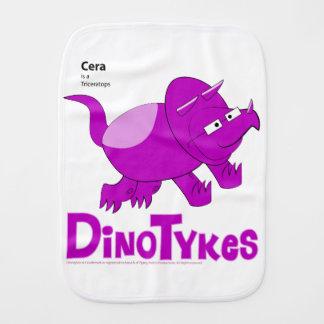 Pano De Boca Dinotykes Cera é um Triceratops. Pano do Burp
