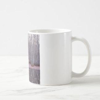 Pântano do inverno das árvores da natureza caneca de café
