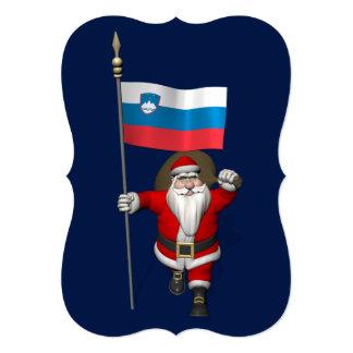 Papai Noel engraçado com a bandeira de Slovenia Convite 12.7 X 17.78cm