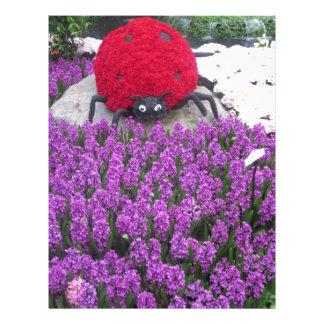 Papel Timbrado O joaninha de LadyLUCK floresce o jardim roxo da