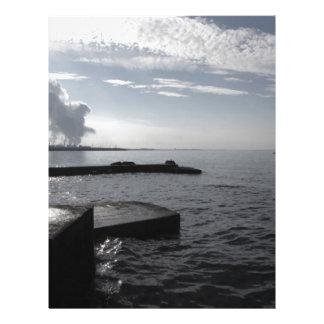 Papel Timbrado Paisagem industrial ao longo da costa poluindo o