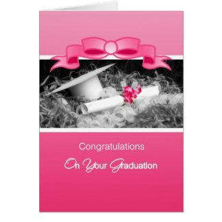 Parabéns femininos Riboon cor-de-rosa da graduação Cartão Comemorativo