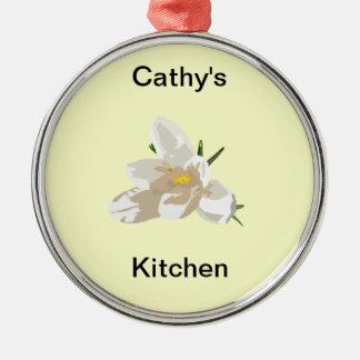 Parede da cozinha do açafrão ornamento redondo cor prata