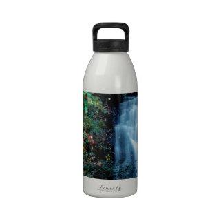 Parque da cachoeira garrafas de água esportivas