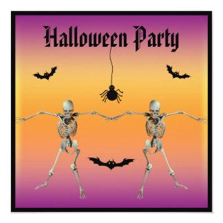 Partido engraçado do Dia das Bruxas dos esqueletos Convite