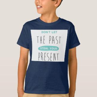 passado e presente tshirts