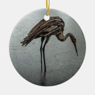 Pássaro de madeira na chuva ornamento de cerâmica