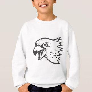 Pássaro sério do falcão de peregrino no preto t-shirt
