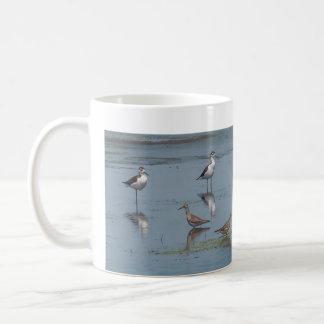 Pássaros de costa caneca de café