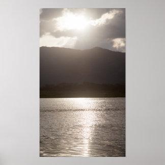 Passeio à beira mar de Guataparo do poster