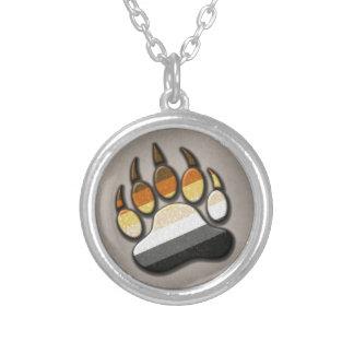 Pata alegre do orgulho do urso colar banhado a prata