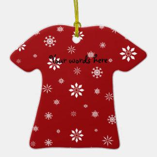 Pattenr vermelho e branco dos flocos de neve ornamento de cerâmica camiseta