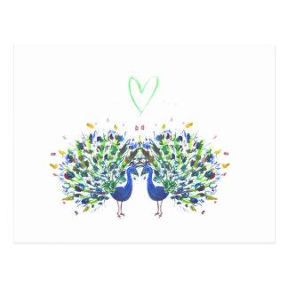 Pavões azuis com o watercolour do coração do amor cartão postal