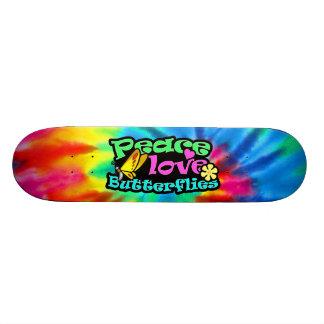 Paz, amor, borboletas; Retro Shape De Skate 19,7cm