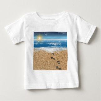 Pegadas na areia t-shirt