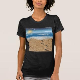 Pegadas na areia tshirt