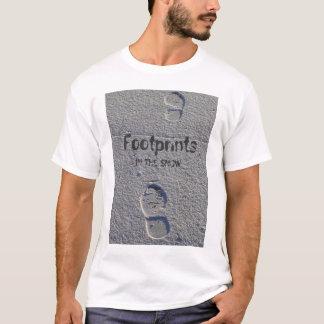 Pegadas na neve camisetas