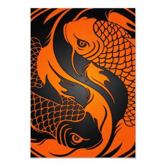 Peixes alaranjados e pretos de Yin Yang Koi Convites