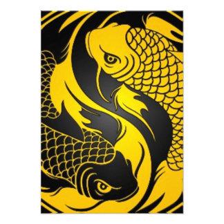 Peixes amarelos e pretos de Yin Yang Koi Convite Personalizados