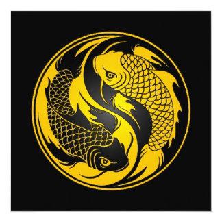 Peixes amarelos e pretos de Yin Yang Koi Convite Quadrado 13.35 X 13.35cm