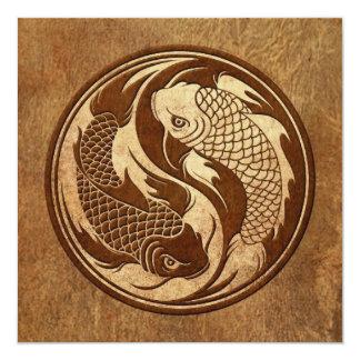Peixes envelhecidos e vestidos de Yin Yang Koi Convite Personalizado