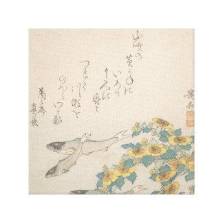 Peixes que nadam com flores amarelas