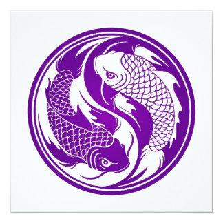 Peixes roxos e brancos de Yin Yang Koi Convite Quadrado 13.35 X 13.35cm