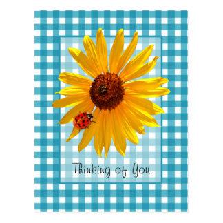 Pensamento de você joaninha no girassol cartão postal